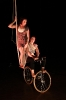 Charlotte-kolly-Jessica-Ros-velo-acrobatique-corde-lisse-spectacle-compagnie-Petits-Detournements