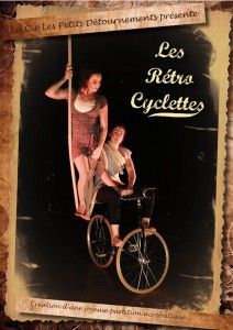 Spectacle cirque duo acrobatique avec velo, corde lisse et antipodisme